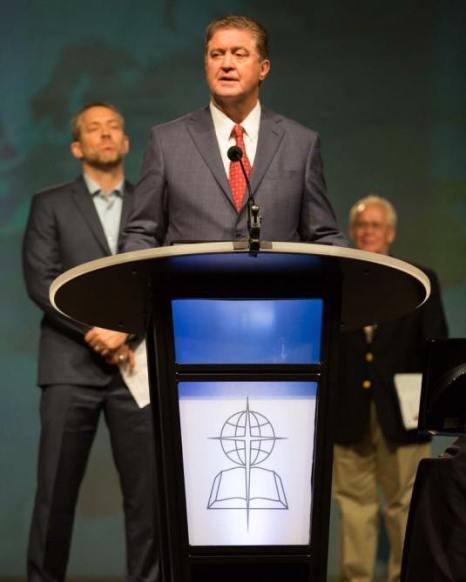 Convenția Baptistă de Sud are un nou Președinte... Dr. Steve Gaines, pastorul senior al %22Bellevue Baptist Church%22 din Memphis, Tennessee, este noul președinte al Convenției Baptiste de Sud